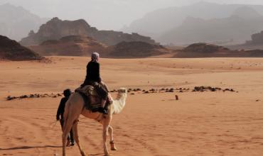 desert sable voyageurs dunes chameau mai