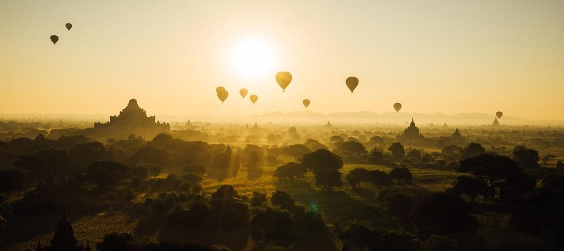 Lever de soleil sur la vallée de Bagan - voyage BIrmanie