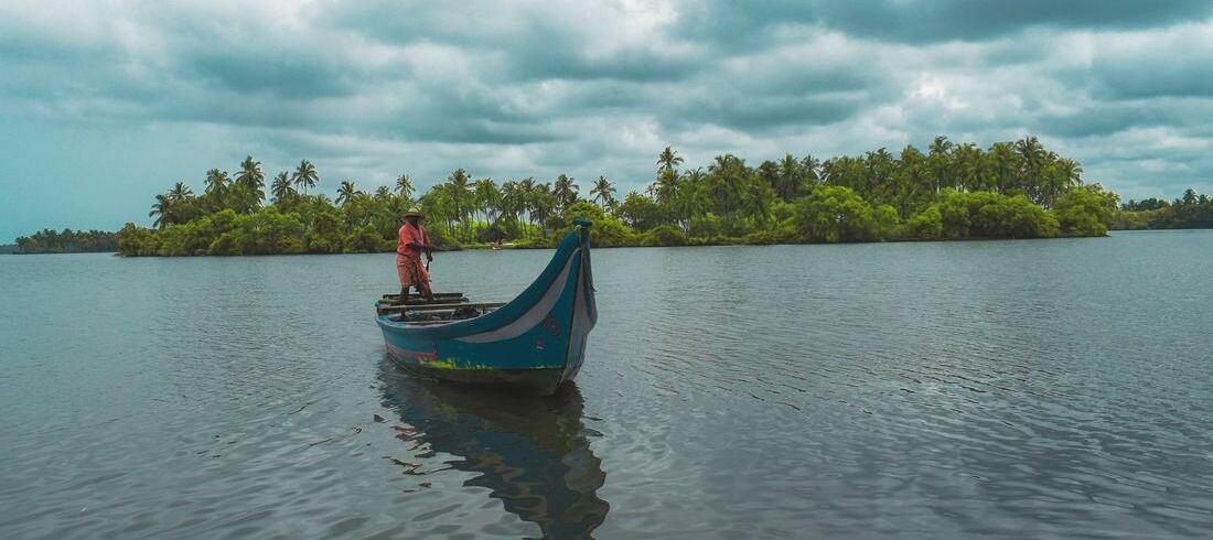 Houseboat Allepey Kumarakom Backwaters