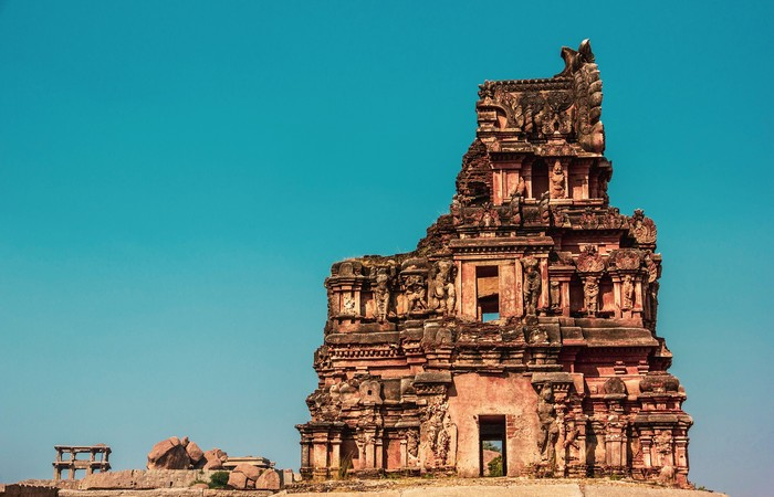 Karnataka temple Hampi Hassan Badami
