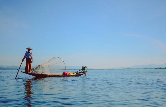 Lac Inle pêcheur barque Unesco Birmanie