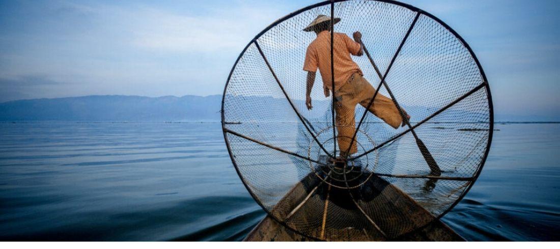 Pêcheur sur le lac Inlé - Voyage Birmanie - Asie Online