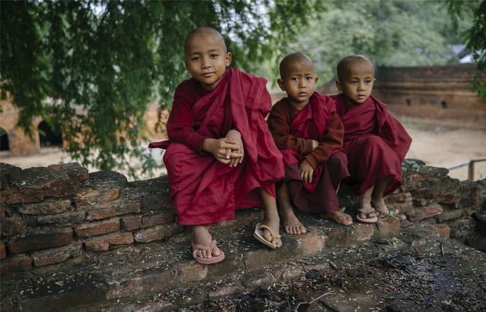 Enfants bonzes Bagan