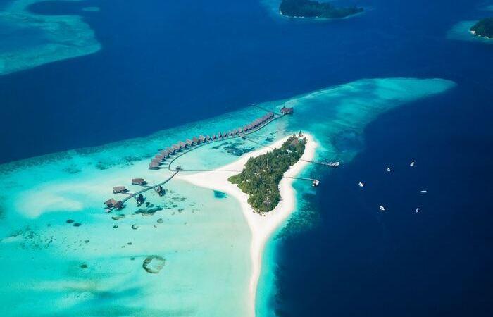 Atoll paradisiaque lagon mer turquoise plage sable blanc Maldives - Asie Online