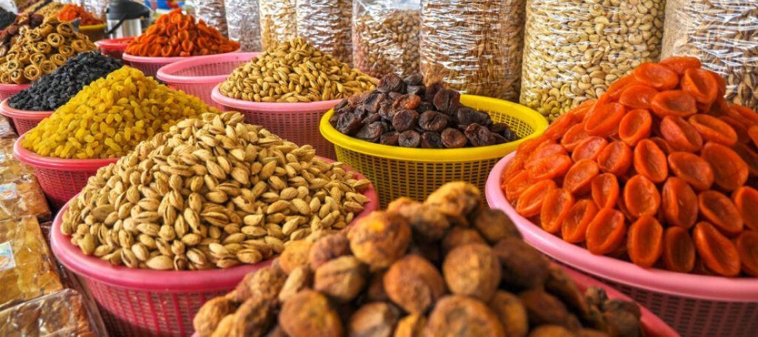 Fruits secs noix marché Ouzbékistan