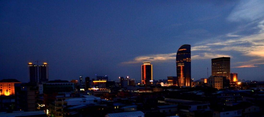 Phnom Penh by night - Voyage Cambodge - Asie Online
