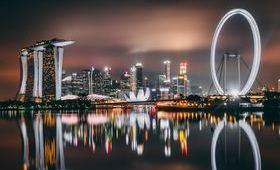 singapour ville lumieres grande roue nuages nuit