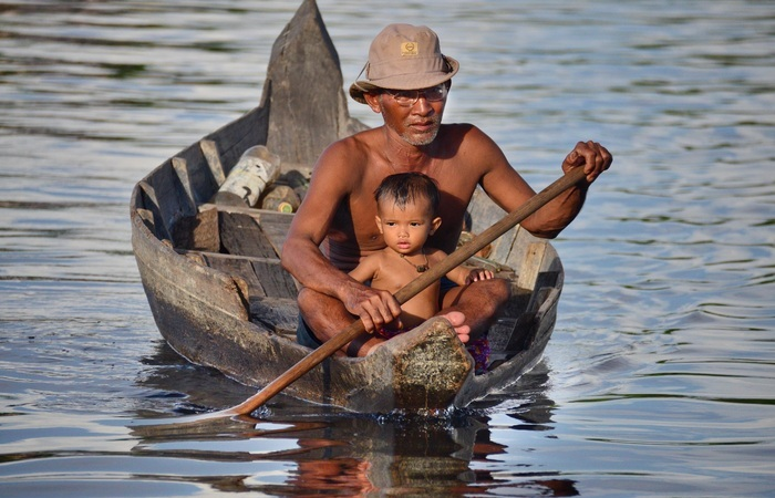 Barque Tonle Sap famille