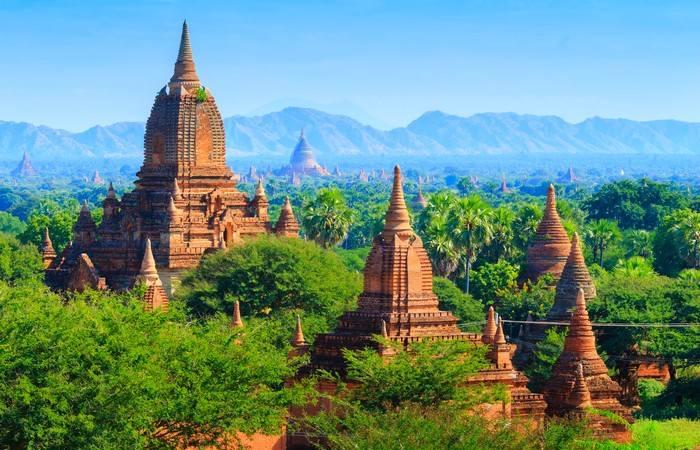 Temples Bagan Unesco végétation luxuriante Birmanie