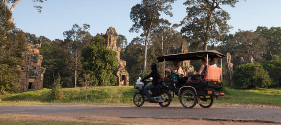 Tuk Tuk temples Angkor Siem Reap