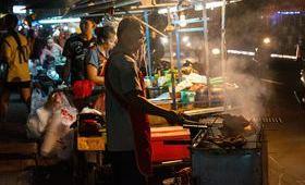 nourriture rue soir lumieres habitants boutiques repas