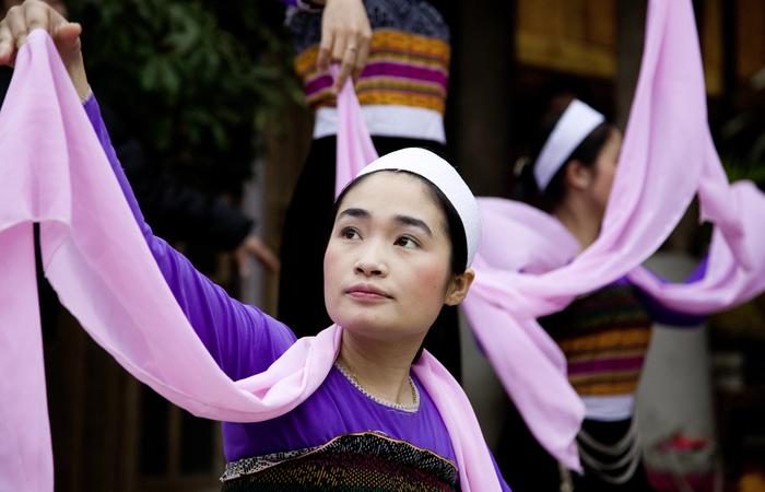 Minorités et paysages du Nord-Est - Asie Online