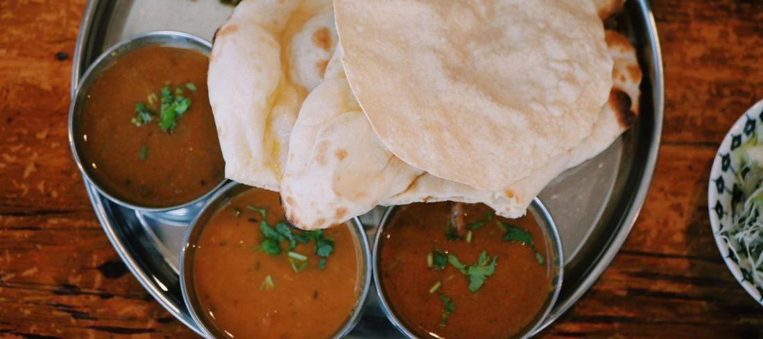 Plat de curry - voyage Inde