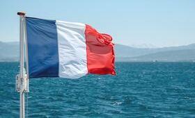 guide france drapeau eau montagnes