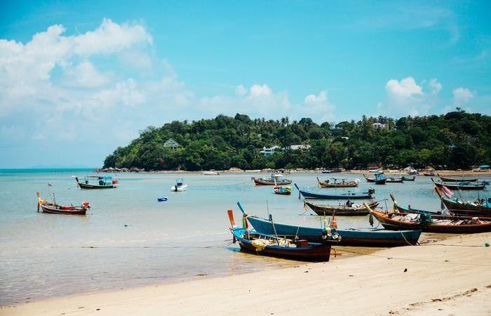 Phuket sud Thailande pirogue plage paradisiaque