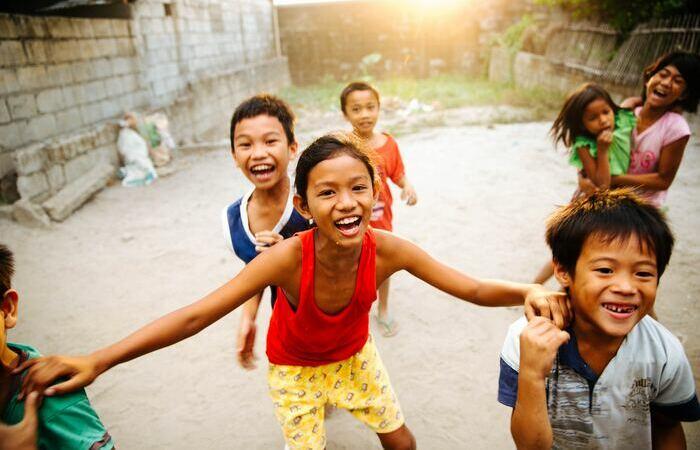 Enfants locaux Philippins rires