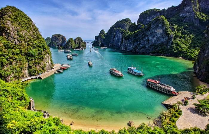 Halong baie croisière privative pitons karstiques Unesco