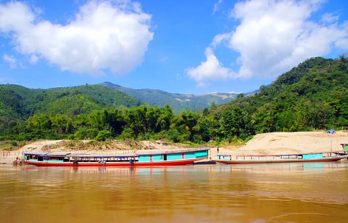 Croisière barque pirogue Mékong Pakbeng