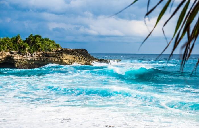 Nusa Lembongan mer rocher eau turquoise