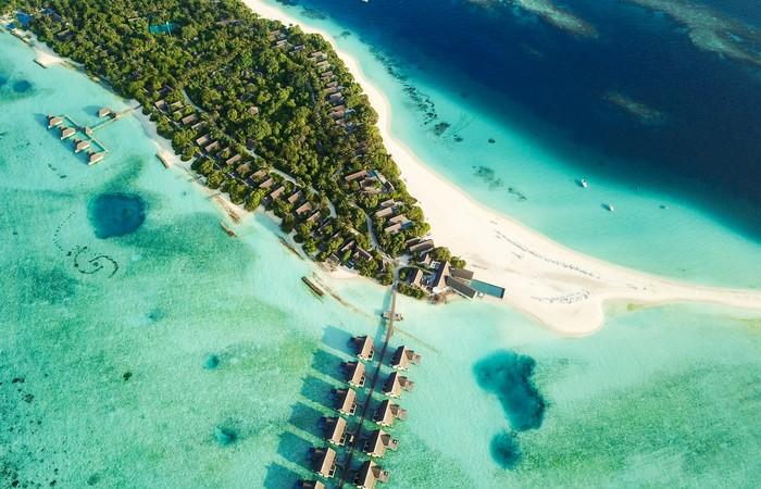 Olhuveli Maldives atoll eau paradisiaque sable fin plage