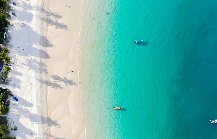 Redang île paradisiaque eau turquoise sable fin blanc