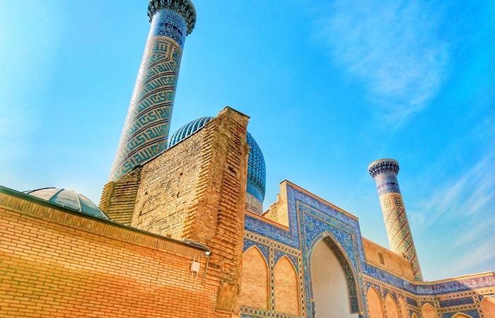 Samarkand mosquée minaret medersa bleu
